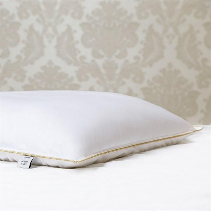 Подушка шелковая 50х70 1 кг Luxe Dream Premium Silk collection средняя (высота 9 см) - фото 23483