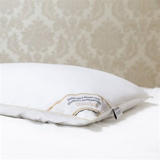 Подушка шелковая 50х70 1,3 кг Luxe Dream Premium Silk collection средняя (высота 14 см)