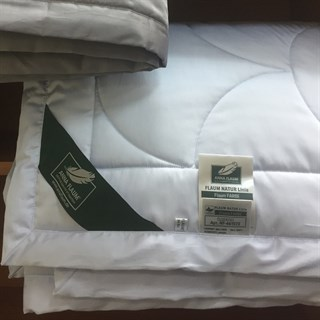 Одеяло Flaum Farbe 150х200 легкое голубое