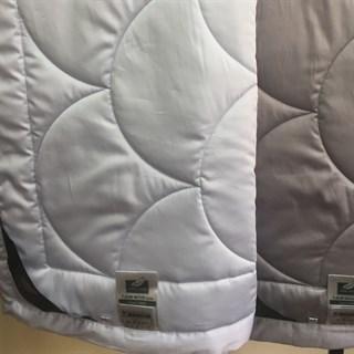 Одеяло Flaum Farbe 200х220 легкое голубое